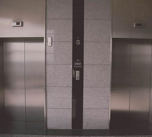 Gerador de energia para elevadores